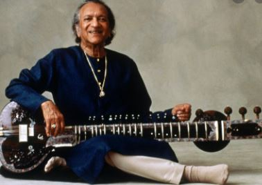SP Chief Akhilesh yadav given respect to the country's famous sitar player and musician Bharat Ratna 'Pandit' Ravi Shankar ji on his birth anniversary.