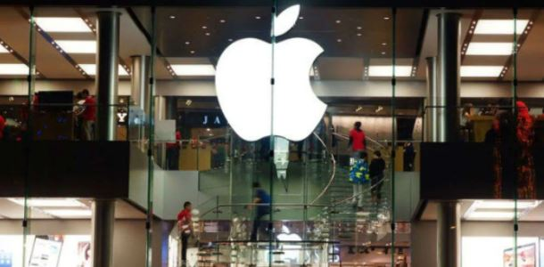 Apple Store India, the company's online shop on Friday announced a new cashback and no-cost EMI offer.