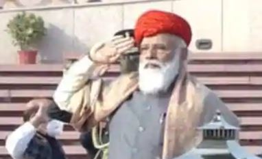 PM Narendra Modi put on special turban on Republic Day 2021, know who gifted this colouful 'paghdi' to him