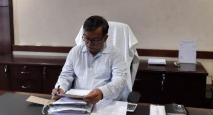 Uttar Pradesh receives largest oxygen consignment - Additional Chief Secretary (Home) Avanish Awasthi