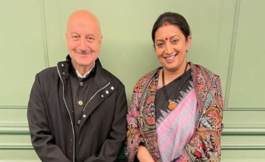 Anupam Kher thanks Smiriti Irani, Harsh Vardhan, Ravi Shankar Prasad for launching his book in Delhi