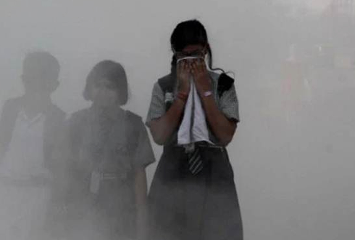 Pollution Rises To Hazardous Levels; Flights Delayed As Thick Smog Engulfs Delhi-NCR