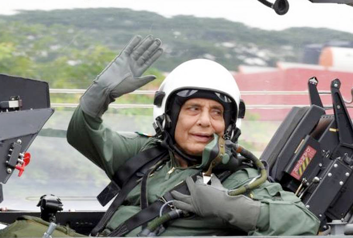 Rajnath becomes first Defence Minister to fly in Tejas fighter aircraft